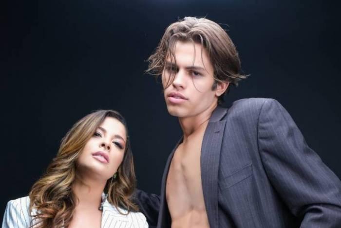 Gyselle Soares posa com o modelo Felipe Castelo
