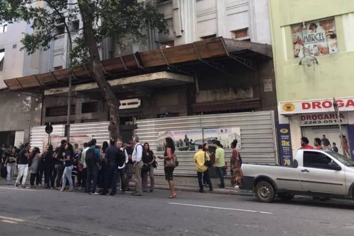 Prédio é evacuado no Centro do Rio