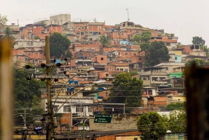 A pandemia do coronavírus avança nas comunidades, que são áreas de grande aglomeração e pouca - ou nenhuma - infraestrutura