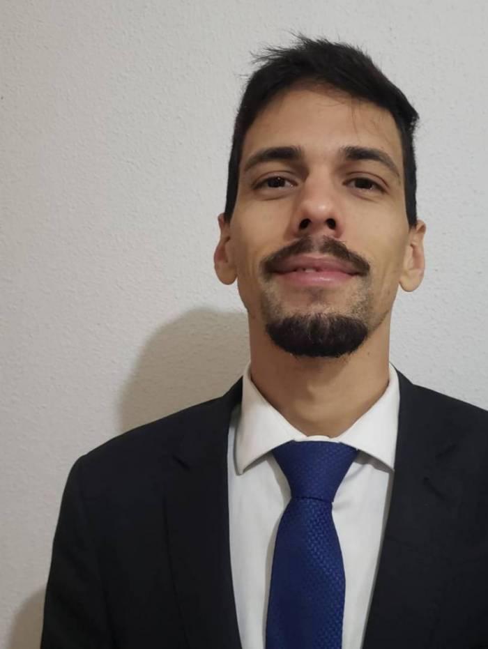 Dr Raphael Pereira