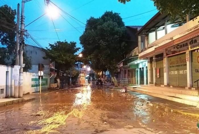 Chuvas castigam cidades fluminenses. Cardoso Moreira