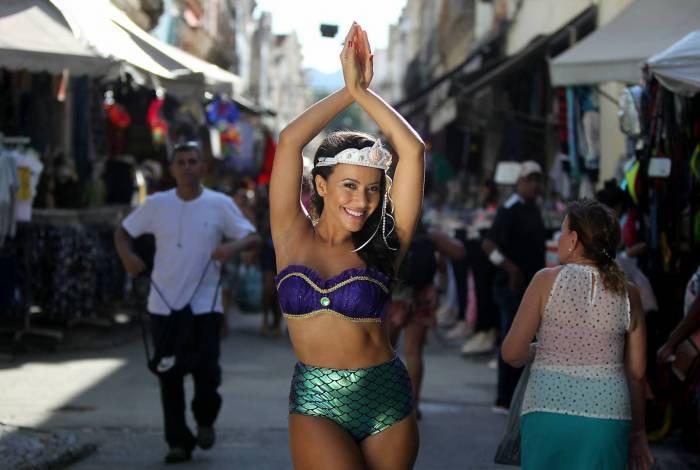 Rio de Janeiro 31/01/2019 - Ensaio tema de Carnaval com a modelo Juliana no SAARA. Foto: Luciano Belford/Agencia O Dia
