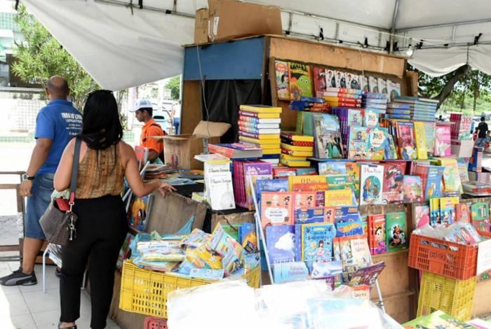 Autores brasileiros também têm seus livros na Feira, como Monteiro Lobato, Machado de Assis e Jô Soares