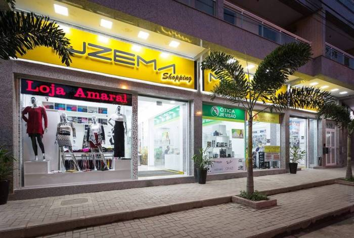 Segundo o MP, o Muzema Shopping começou a ser construído em 2017. Além de lojas, no térreo, empreendimento conta também com cerca de 150 apartamentos