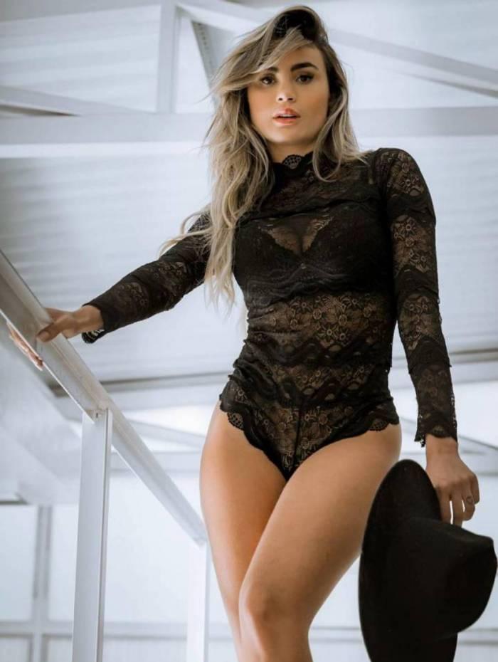 Bailarina do Domingão, Natacha Horana