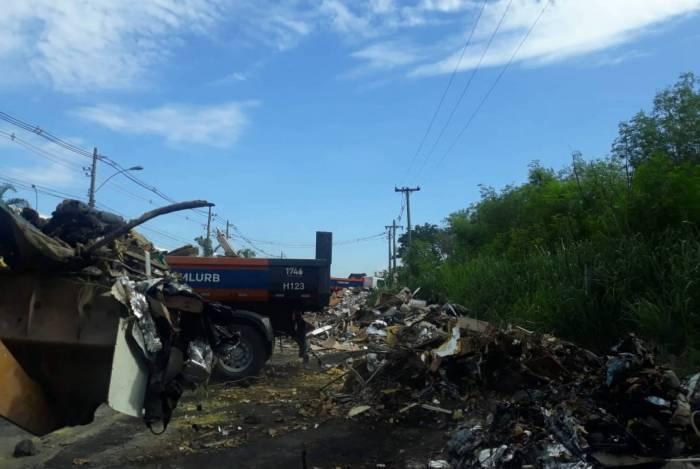Comlurb remove 312 toneladas de resíduos em mutirão de limpeza na Pavuna
