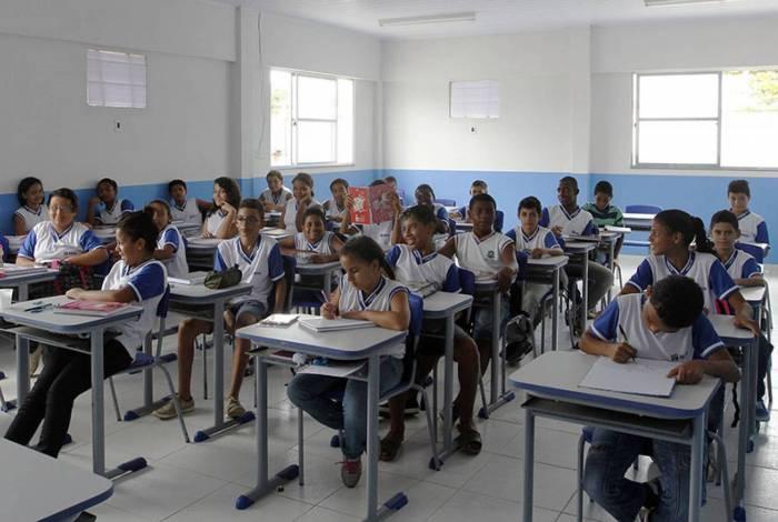 As unidades escolares deverão elaborar seu calendário com, no mínimo, 202 dias letivos
