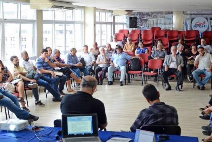 Representantes de diferentes categorias do Estado do Rio se reuniram na quarta-feira, na sede do Sindjustiça, e assinaram ofício