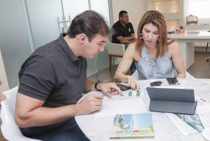 Encontro entre a prefeita de Saquarema e diretores da WSL