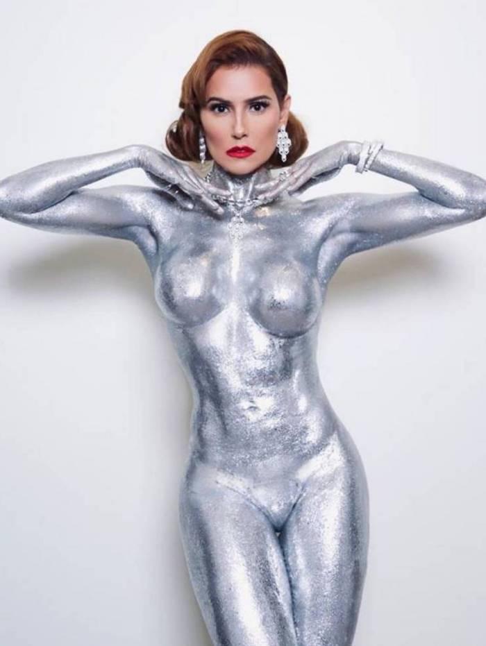 Deborah Secco no Baile da Vogue
