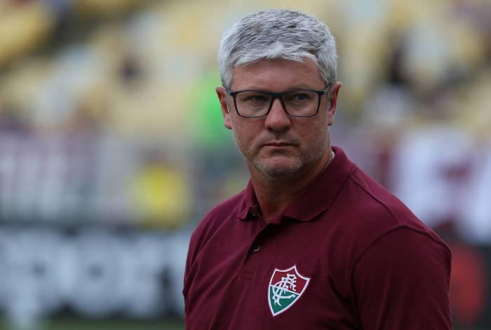 Técnico do Fluminense, Odair Hellmann vem enfrentando pressão pela precoce eliminação na primeira fase da Copa Sul-Americana
