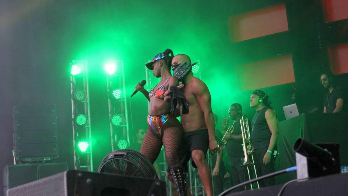 Iza se apresenta em Ipanema