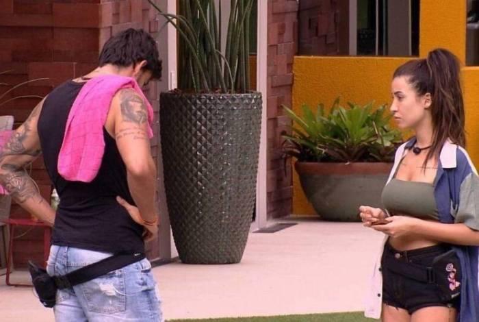 Guilherme e Bianca conversaram nesta segunda-feira
