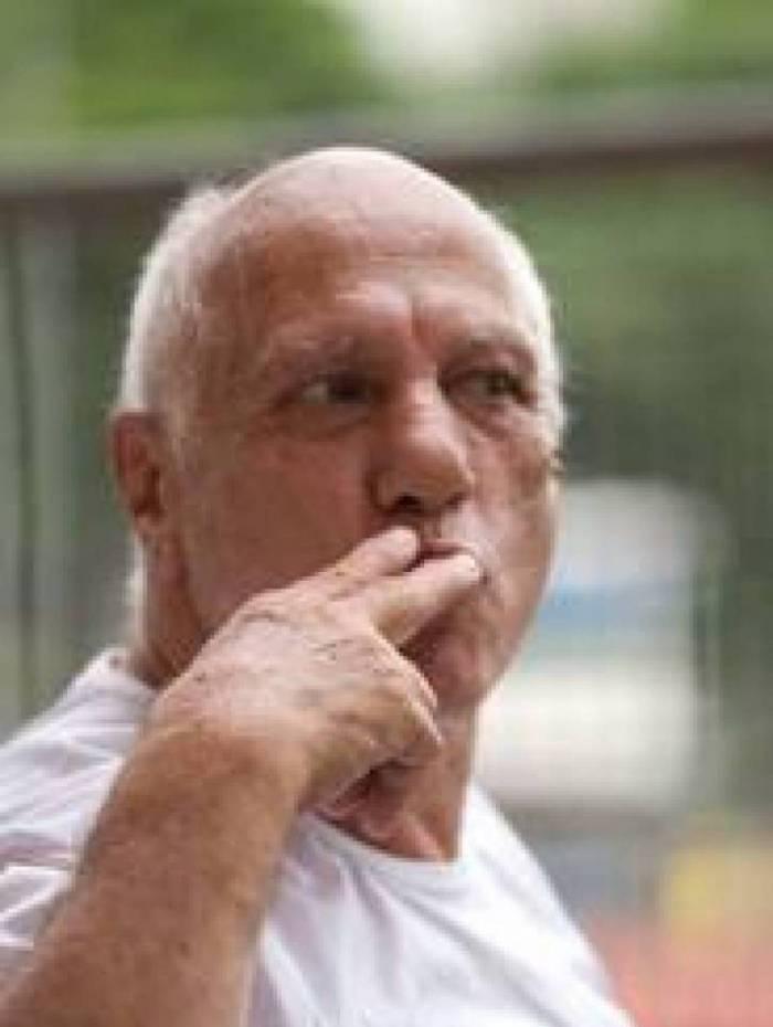 José Alves fez fama roubando beijos de famosos
