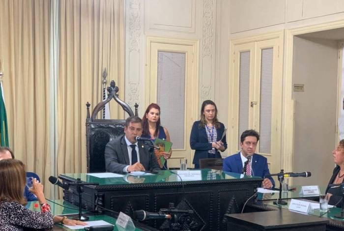 Autor da proposta de CPI, Dr. Serginho (PSL) foi efetivado presidente da comissão, a deputada Zeidan Lula (PT), vice-presidente, e Gustavo Schmidt (PSL) relator