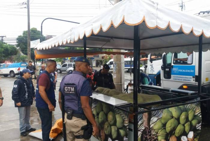 Objetivo é fiscalizar o comércio ambulante e o estacionamento irregular, além de atender população em situação de rua