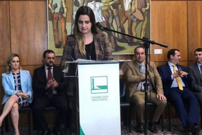 Deputada federal Clarissa Garotinho diz que meta é a integração
