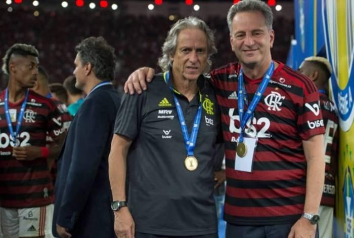 Rodolfo Landim ao lado de Jorge Jesus