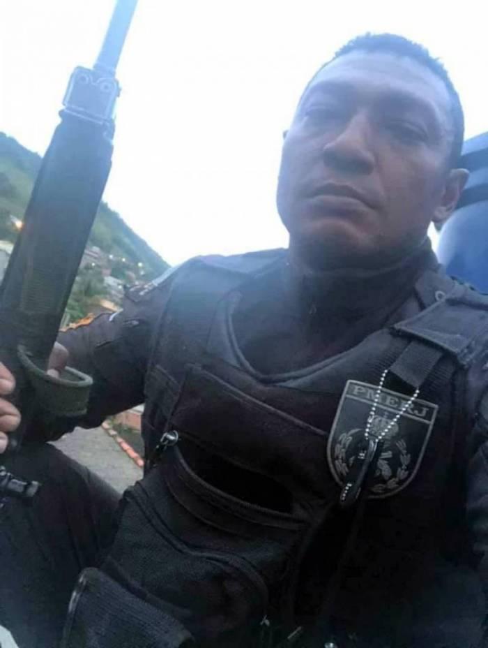 O sargento Ricardo Oliveira dos Santos estava na PM desde 2002