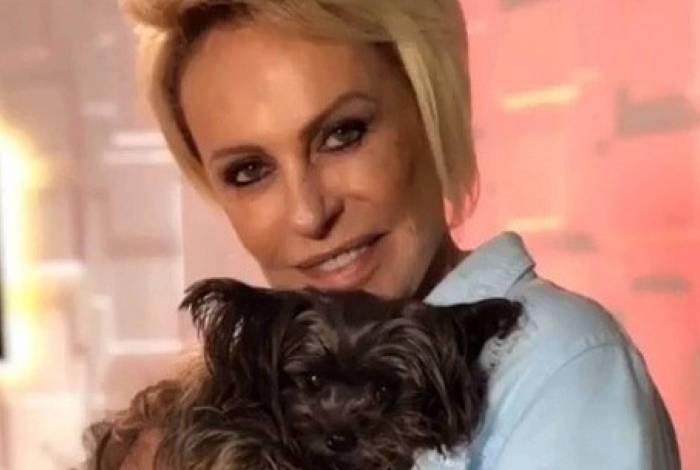 Ana Maria Braga lamenta a perda da cadelinha Sombrinha