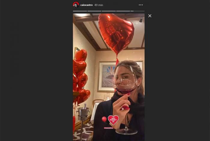 Caio Castro deseja Feliz Dia dos Namorados para Grazi Massafera