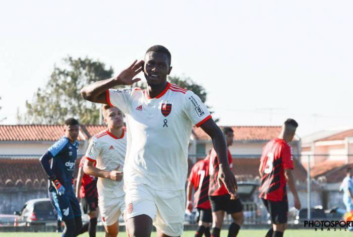 Fã de Eric Bailly, ex-atacante e achado em peneira: conheça Otávio, um dos zagueiros do Flamengo na Libertadores Sub-20