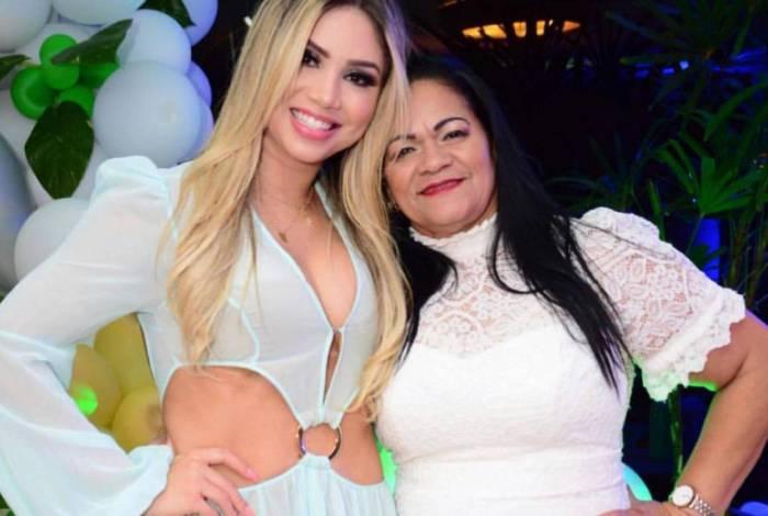 Camila Ângelo e a sogra Socorro