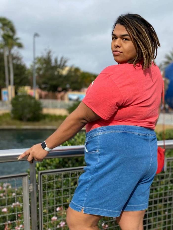 Lady Chokey viaja de férias para a Disney com 15kg a menos