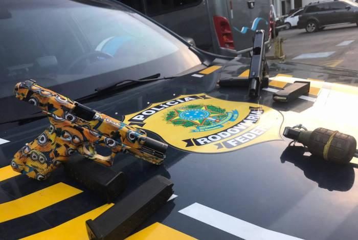 Material apreendido com o suspeito de ter matado o policial federal Ronaldo Heeren