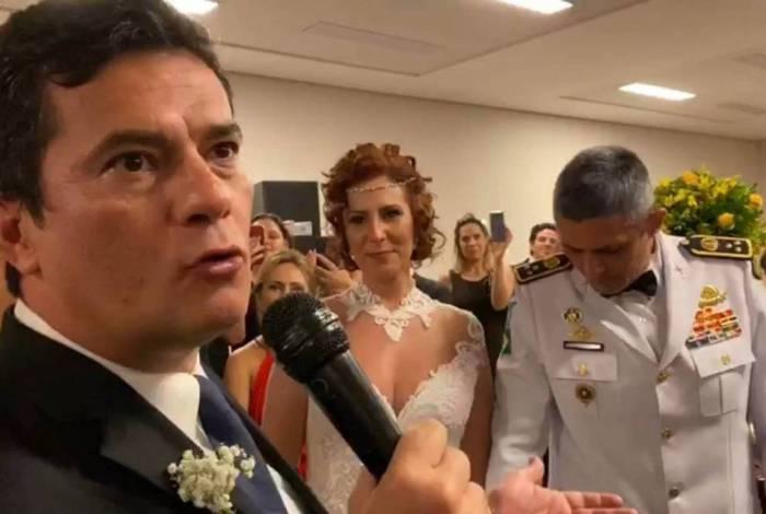 Sérgio Moro no casamento de Carla Zambelli