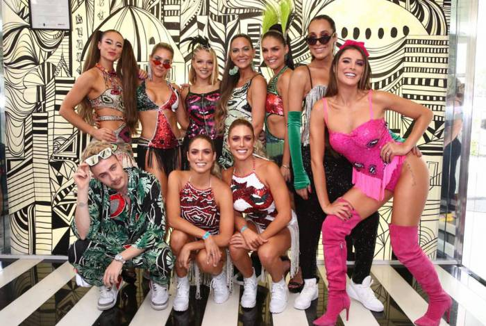 Paolla Oliveira, Monique Alfradique, Rafa Brites, a dupla Bia e Branca Feres, Gaby Lopes e Paloma Bernardi são os musos do Bloco da Favorita