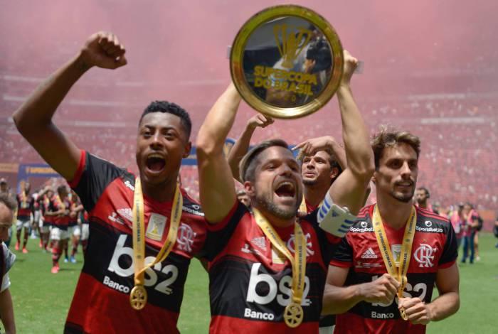 Comentarista exalta futebol do Flamengo: Time de outro planeta. Causa inveja