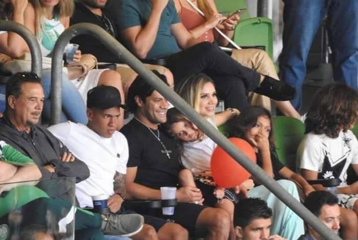 Hulk, Camila Ângelo e seus três filhos do relacionamento com Iran Ângelo
