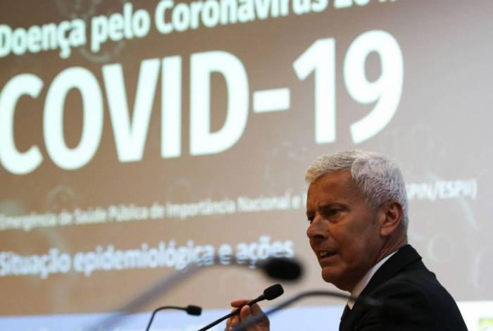 Secretário executivo do Ministério da Saúde, João Gabbardo dos Reis, divulga dados atualizados sobre novo coronavírus