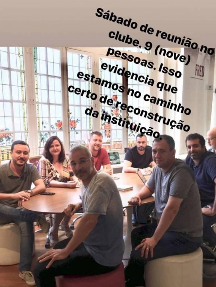 Mario Bittencourt com a equipe de marketing do Fluminense: alinhavando a volta de Fred ao clube