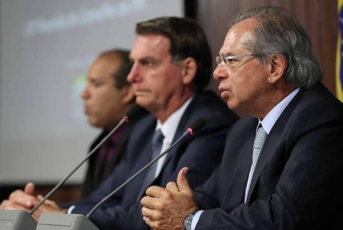 Jair Bolsonaro deixou envio da proposta para depois do Carnaval; Paulo Guedes quer acelerar tramitação