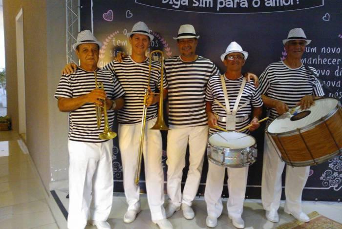 Banda Carioca é atração no baile do Caxias Shopping