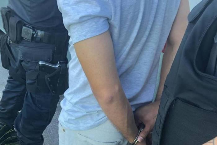 Sargento da Marinha foi preso ao ejacular em braço de mulher dentro de ônibus na BR-101, em São Gonçalo
