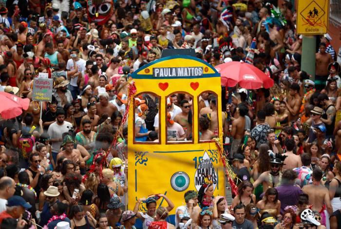 Carmelitas desfilou pelas ruas de Santa Teresa
