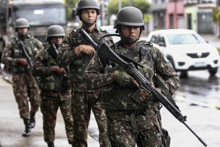 Tropas do Exército foram enviadas ao estado. Blindados vêm sendo utilizados no patrulhamento