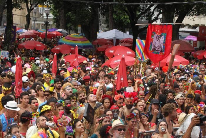 Blocos, vereadores e escolas de samba debateram com a Riotur