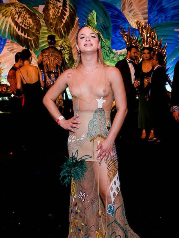 Image result for Carnaval 2020: Glamour Garcia deixa seios à mostra para Baile do Copa