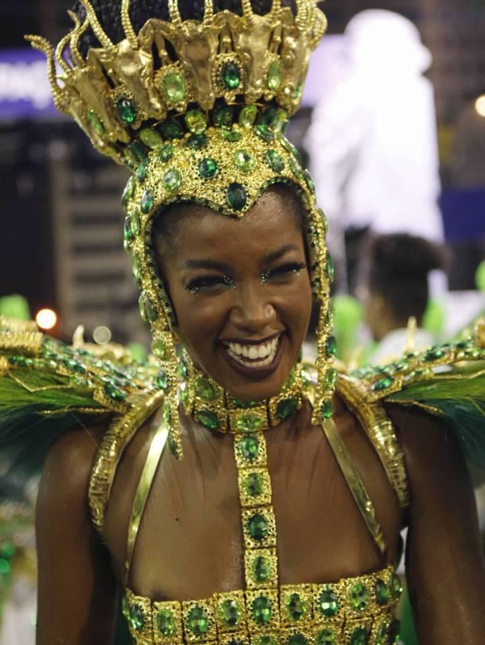 Carnaval 2020 - A cantora Iza durante desfile da Escola de Samba do Grupo A G.R.E.S Imperatriz, no Sambódromo da Marquês de Sapucaí, no centro da cidade do Rio de Janeiro neste domingo (23). Foto: Reginaldo Pimenta/Agencia O Dia