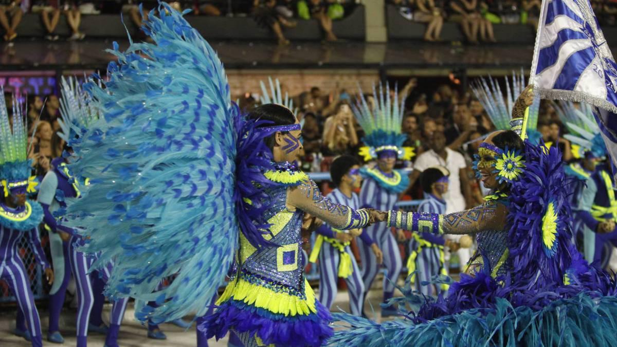 Portela fechou o primeiro dia de desfiles