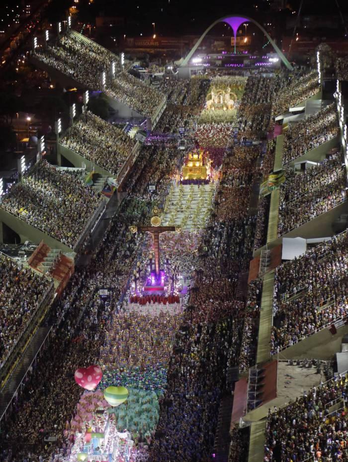 Sai hoje a campeã do Carnaval 2020 no Rio