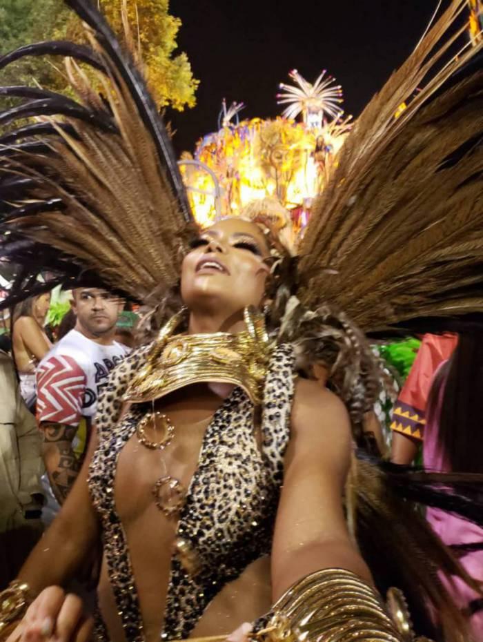 Musa da Grande Rio, Adriana Bombom representa a bailarina Mercedes Bapitista