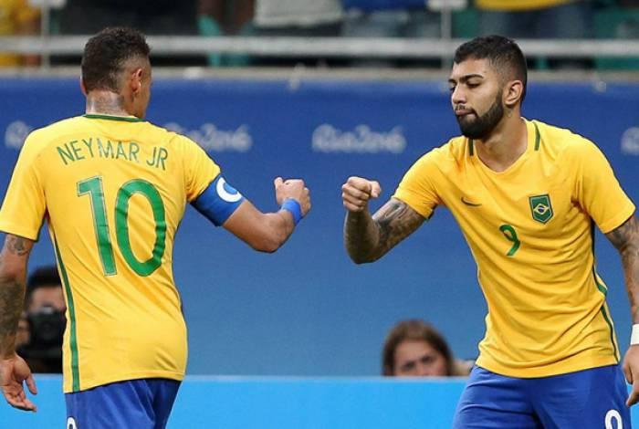 Gabigol e Neymar atuando pela seleção brasileira nas Olimpíadas do Rio de Janeiro, em 2016