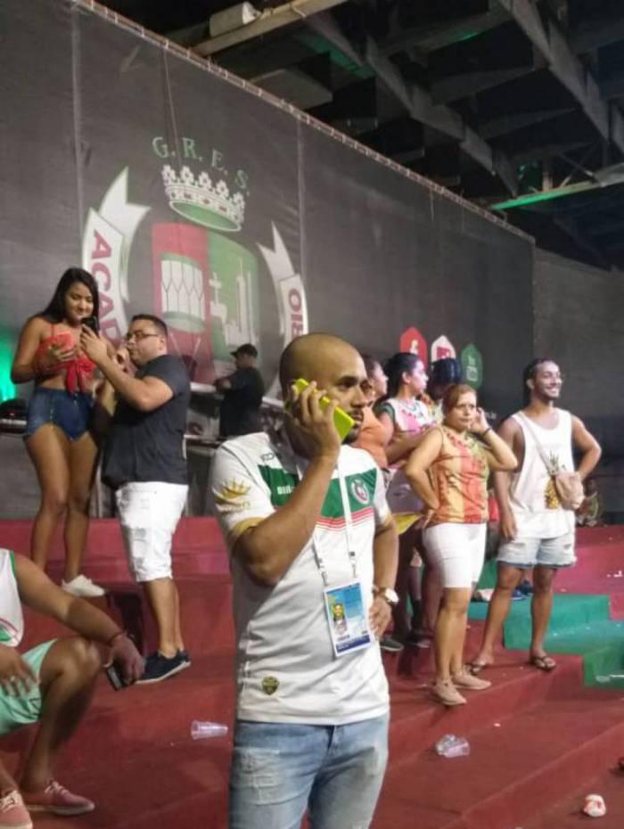 Fafá, mestre de bateria da Grande Rio não escondeu a tristeza pelo vice-campeonato