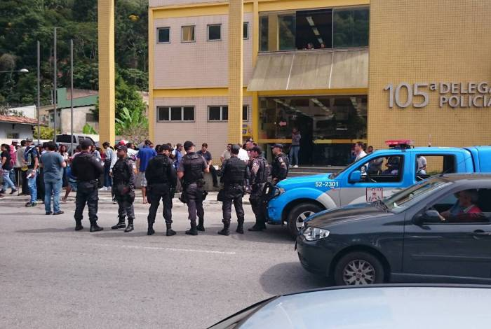 A maior quantidade de drogas foi encontrada na Rua Dr. Hermogênio Silva, no bairro Retiro