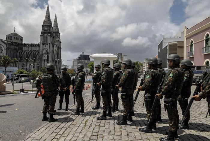 Forças Armadas atuam para manter a paz e a estabilidade, diz Defesa